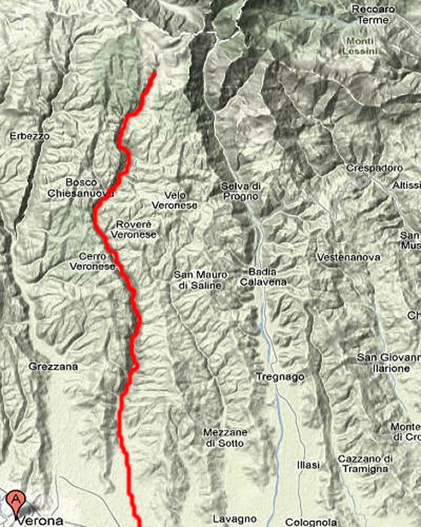 Percorso del torrente Squaranto. Si forma nell'alta Lessinia, precisamente nel Valon del Malera (sopra Malga S. Giorgio) ad un'altitudine di circa 1500 metri.
