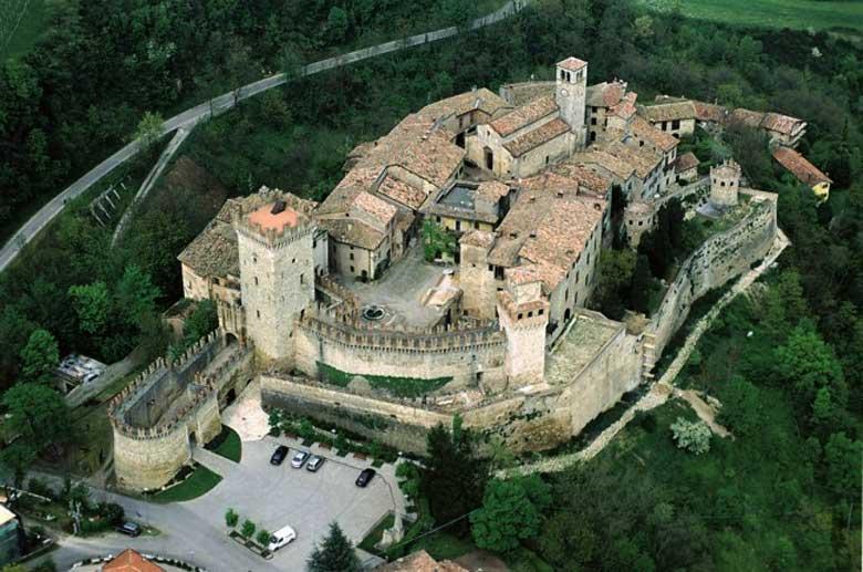Gita al Castello di Vigoleno - Gruppo Tutti per Uno @ Castello di Vigoleno | Vigoleno | Emilia-Romagna | Italia